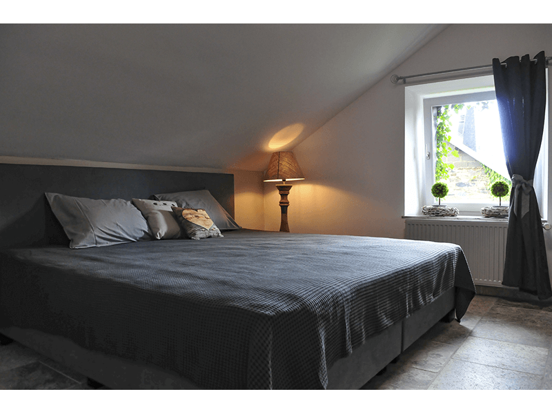 Ardennen4all_Chalet_Jolie_master_bedroom.png